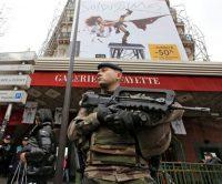 Terrorismo em França: sete detidos este mês e turismo em queda livre